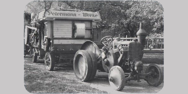Dreschmaschine der Petermann Werke